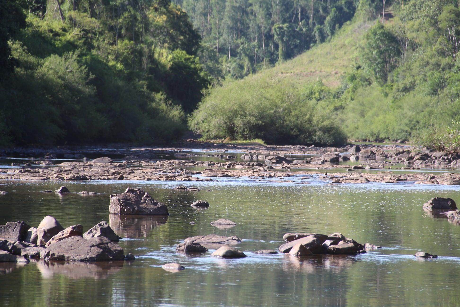 Efeitos da estiagem em rios e riachos no município de Itapiranga